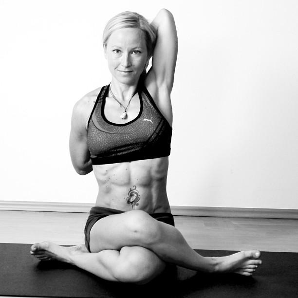 Yoga Asana Kuhgesicht