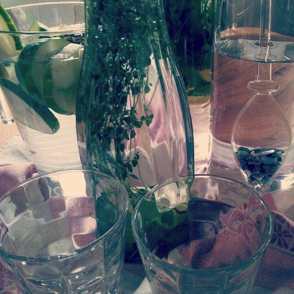Wasser mit Geschmack - einfach & gesund zum selber machen!
