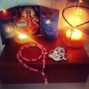 Ein Yogi Altar mit hinduistischen Gottheiten