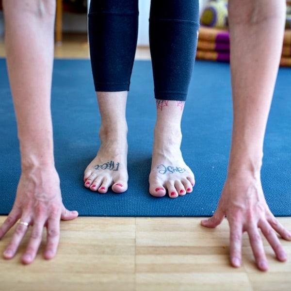 Was tun, wenn die Hamstrings beim Yoga zwicken?