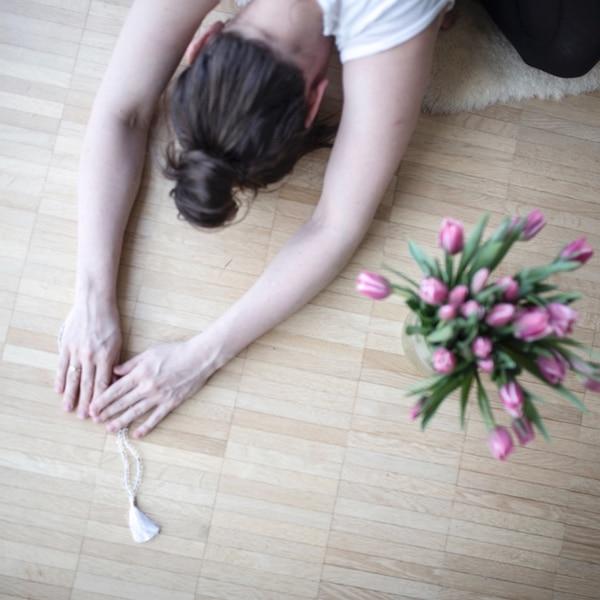 Easy Yoga: Lieb sein ist das neue Schwarz!