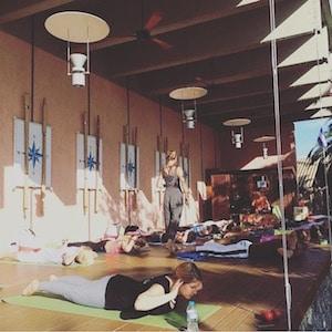 Morning Yoga mit Kristin Rübesamen & Blick aufs Meer