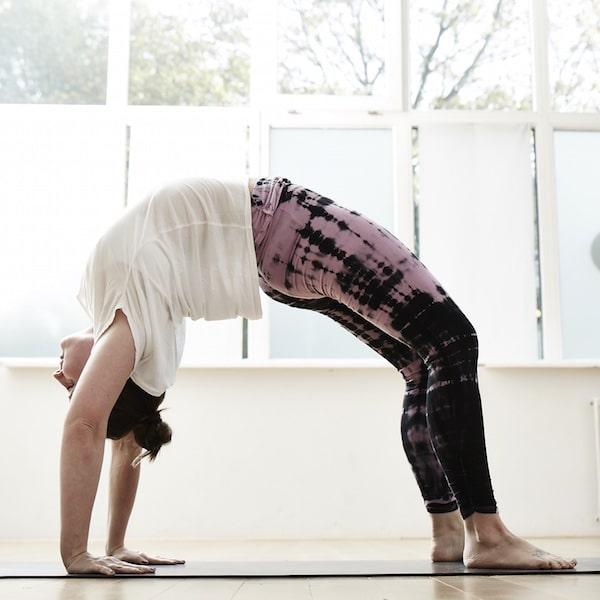 Yoga Rückbeugen sicher üben: So kommst du ohne Aua rein und raus