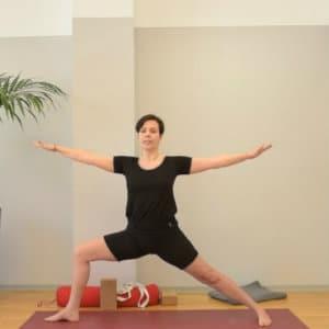 Hinter Der Seite Und Dem Yoga Haus Steckt Eva Reimers Die Schon Seit Ber 20 Jahren Liebt Lebt Das In 11
