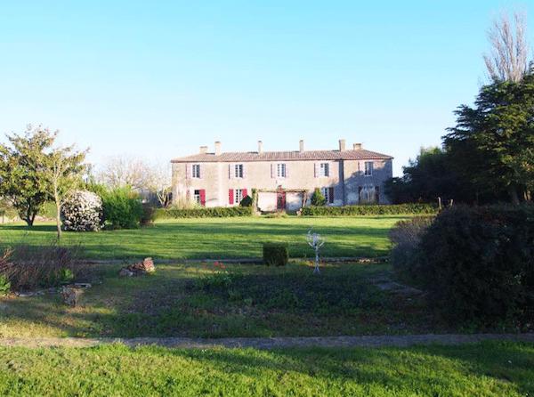 Das Jolly Château liegt nur 15 Minuten von der Atlantikküste entfernt