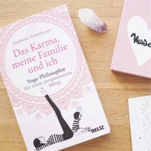 """Buchtipp: """"Das Karma, meine Familie und ich"""" von Stephanie Schönberger"""