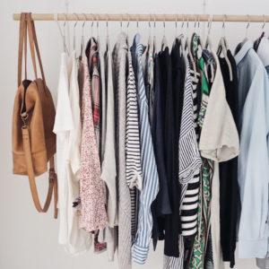 Wie eine einfache Garderobe dich glücklich machen kann: Capsule Wardrobe