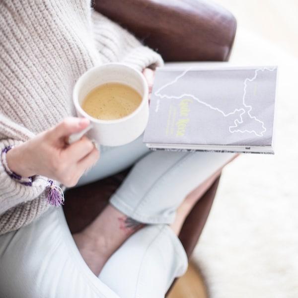 Die ayurvedische Morgenroutine tut so wahnsinnig gut. Probier es einfach mal aus!