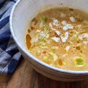 Eine köstliche ayurvedische Suppe aus Süßkartoffeln & Zimt