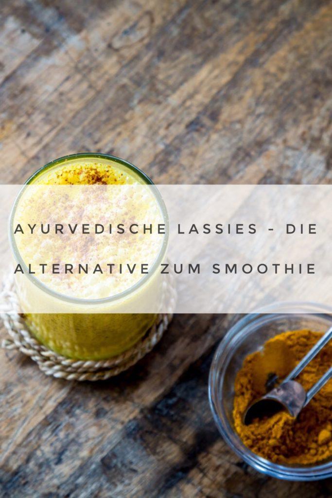 Natürlich sind Smoothies, vor allem mit gefrorenen Früchten, der perfekte, gesunde Sommerdrink. Doch Hand aufs Herz, irgendwie hat man doch zwischendurch auch mal Lust etwas anderes zu schlürfen, oder? Dafür eignet sich besonders ein erfrischender Lassi. Nicht umsonst wird dieser Trinkjoghurt in vielen Teilen der Welt gerade in den heißen Monaten besonders viel konsumiert. Hier kommen 4 erfrischende Rezepte!