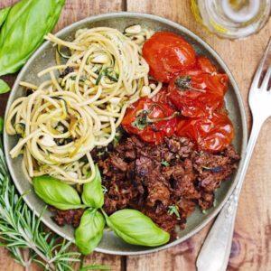 Es muss nicht immer indisch sein: So kochst du ayurvedische Spaghetti Bolognese